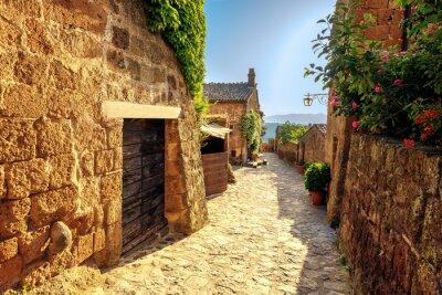 Фотообои Солнечный сужает на летний день в старом итальянском городе