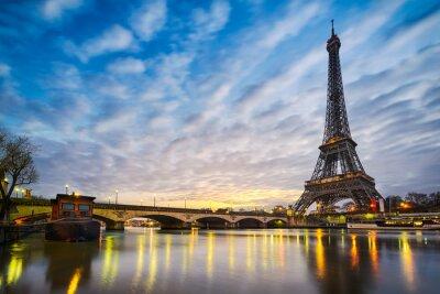 Фотообои Восход солнца на Эйфелевой башне в Париже