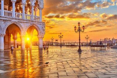 Фотообои Восход солнца в Венеции