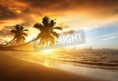 Фотообои Закат на пляже карибского моря
