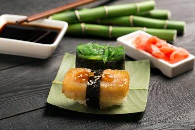 Фотообои Суши с омлетом японской