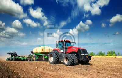 Фотообои Трактор в поле