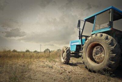 Фотообои Tractor in the countryside