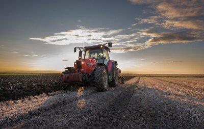 Фотообои Трактор вспашки