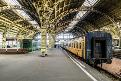 Фотообои Железнодорожные платформы на железнодорожном Витебской station.Saint-Петербурга.