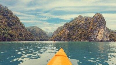 Фотообои Поездка на красочный каяк