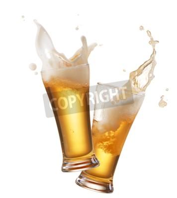 Фотообои два бокала пива тостов создавая всплеск