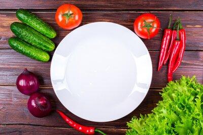 овощи свежие возле пластины