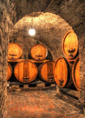 Фотообои Вид в старый винный погреб с большими бочками через арку