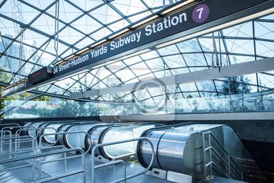Фотообои Вид входа в новый Hudson Yards 7 железнодорожной станции метро