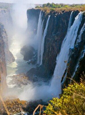 Фотообои Вид водопада Виктория с земли. Моси-оа-Tunya Национальный парк. и Всемирного наследия. Zambiya. Зимбабве. Отличной иллюстрацией.