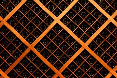 Фотообои Стена из бутылок вина