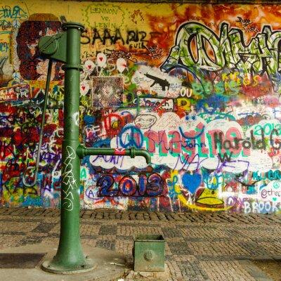 Фотообои Скважин на воду и граффити стены