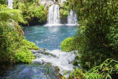 Фотообои Водопады Охос-дель-Caburgua, Чили