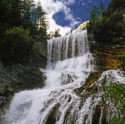 Фотообои watterfall 01 / Горный водопад в Доломитах - Северная Италия