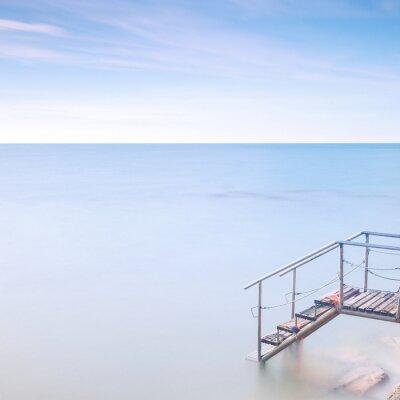 Фотообои Деревянная лестница пирс к морской воде. Длительное воздействие.