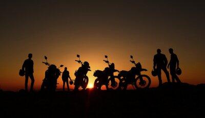 Фотообои gündoğumu izleyen motorcular