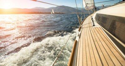 Фотообои Яхта Парусная навстречу закату. Футбол. Роскошные яхты.
