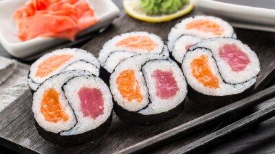 Фотообои Инь янь Футомаки с тунцом и лососем