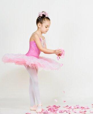 Фотообои молодой балерины