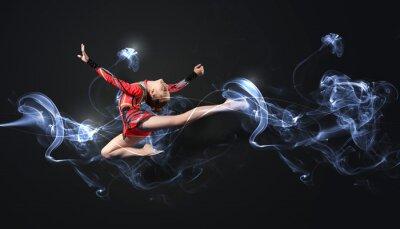 Фотообои Молодая женщина в гимнастка костюм позирует