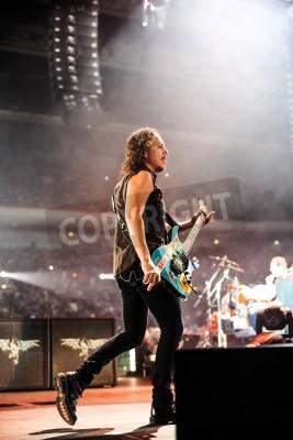 Плакат 24 апреля 2010 - Москва, Россия - американская рок-группа Metallica вживую на стадионе Олимпийский.