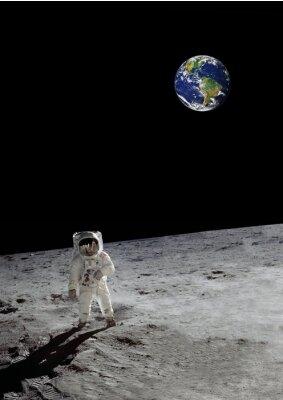 Плакат лунное прогулка под сияющей землей (некоторые элементы любезно НАСА)