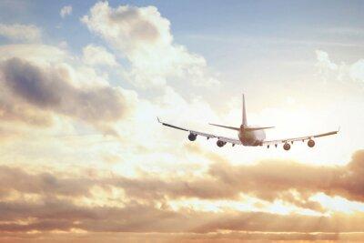 Плакат самолет в закатном небе