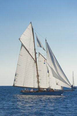 Плакат Древний парусная лодка во время регаты на Panerai Классический йач