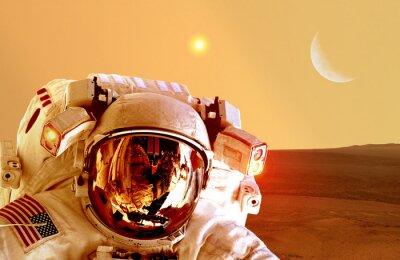 Плакат Астронавт космонавт шлем пространство планета Марс апокалипсис луна. Элементы предоставленную NASA этот образ.