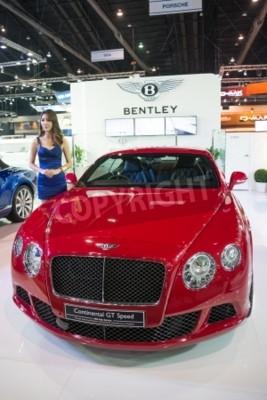 Плакат Бангкок - 28 ноября: Bentley Continental GT Speed на дисплее на 30-й Таиланд Международном автосалоне Экспо 2013 в Бангкоке, Таиланд.