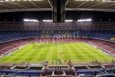 Плакат БАРСЕЛОНА - ДЕКАБРЬ 16: Вид Камп Ноу стадиона перед матчем испанской лиги между ФК Барселона и Атлетико де Мадрид, окончательный счет 4 - 1, 16 декабря 2012 года, в Барселоне, Испания