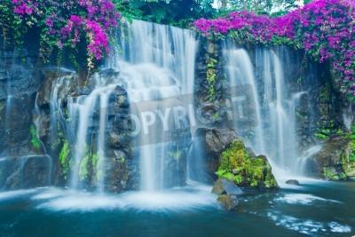 Плакат Красивый синий водопад на Гавайях
