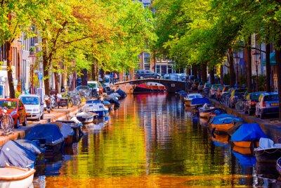 Плакат Прекрасный канал в старом городе Амстердам, Нидерланды, провинция Северная Голландия.