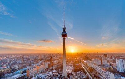 Плакат Красивый закат с телебашней на Александерплац в Берлине