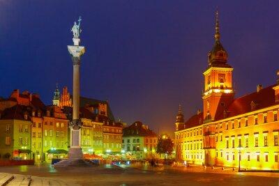 Плакат Замковая площадь в ночное время в Варшаве, Польша.