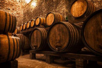 Плакат погреб с бочками для хранения вина, Италии