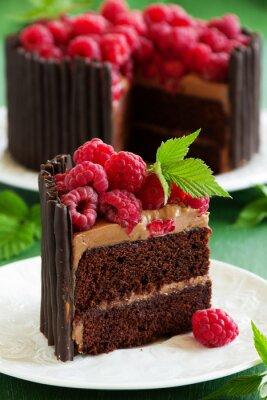 Плакат Шоколадный торт с малиной.