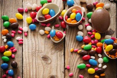 Плакат Шоколадные пасхальные яйца на деревянные фоне