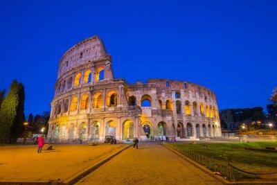 Плакат Колизей в ночное время в Риме, Италия