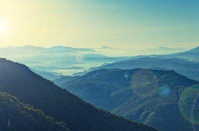 Плакат кросс обработки вид восхода солнца над горный хребет