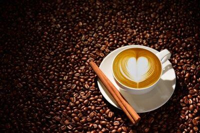 Плакат Чашка латте искусства, кофе и кофе в зернах