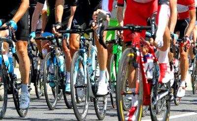 Плакат велосипедисты во время цикла гонке в Европе