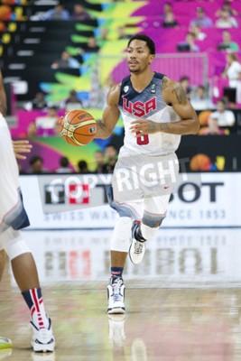 Плакат Деррик Роуз из США команды в действии на ЧМ по баскетболу матчем между США и Мексикой, окончательный счет 86-63, 6-го сентября 2014 года в Барселоне, Испания