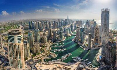 Плакат ДУБАЙ, ОАЭ - 10 октября: Современные здания в Dubai Marina, Дубай