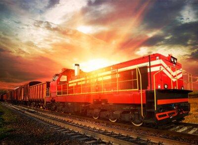 Плакат грузовой поезд в утреннем солнечном свете