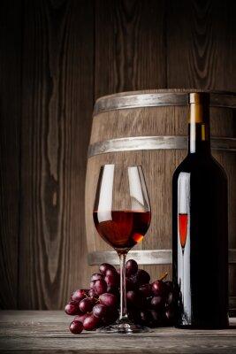 Плакат Бокал красного вина с бутылкой и бочонок положения