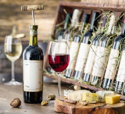 Плакат Бокалов вина и сыра пластины.
