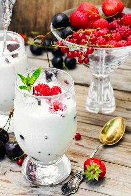 Плакат Мороженое с ягодами и мятой