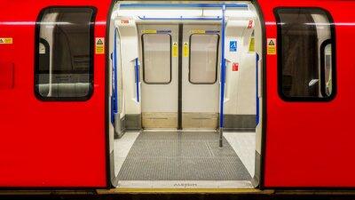Плакат Внутренний вид лондонского метро, станции метро
